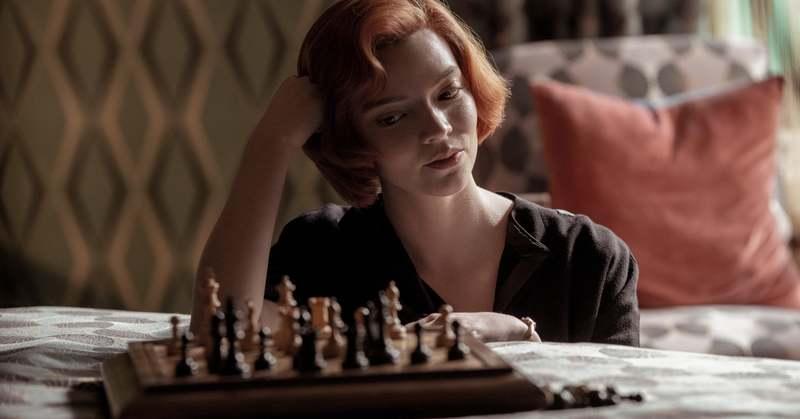 Элизабет Хармон в сериале Ход Королевы
