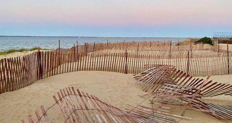 Песчаный пляж в Американской истории ужасов