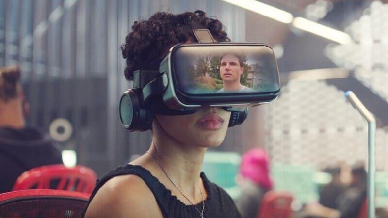 Очки виртуальной реальности в сериале Загрузка